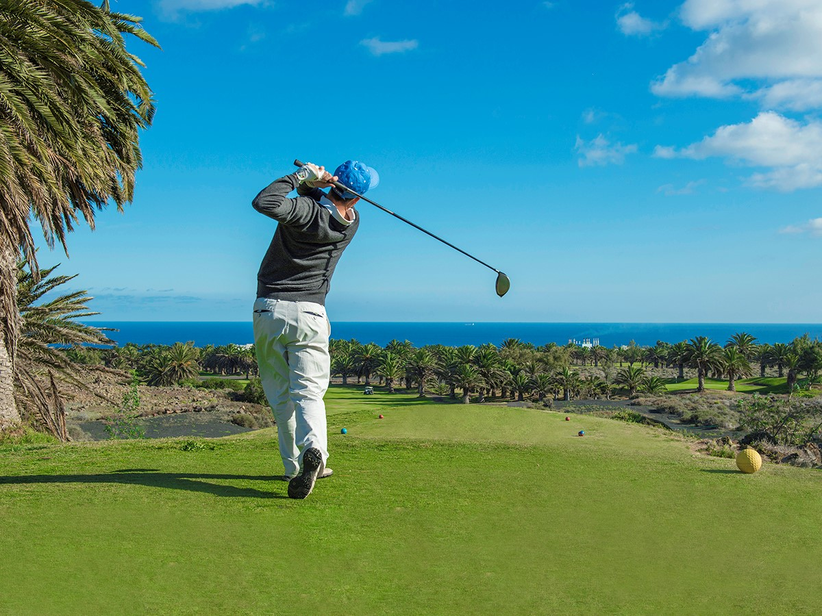 golf on course sea view.jpg (2)